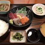 お食事の店萬福 - 料理写真:刺身定食 梅=1100円 税別 ※刺身のお代わり2回まで可