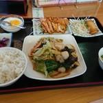 興福順 - 八宝菜定食880円です!