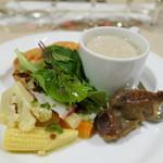 ナトワ - マッシュルームのスープと砂肝コンフィ、ホタルイカのエクレア、タコのマリネ