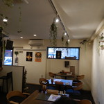 Cafe&Beer チラウト - 店内