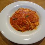 イル・ガッティーノ - バジリコとモツァレラのトマトソース