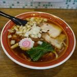 拉麺アイオイ - 料理写真:「煮干し中華」スープの旨味・コクが良い