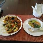 86226115 - 海鮮カレーとスープ