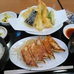 86227734 - 天ぷら餃子定食