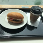 シェア パーク カフェ - ベイクドハムとブレンド