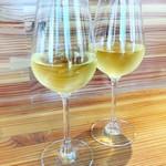86229808 - 白ワイン。