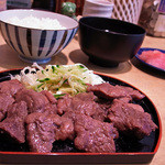 寛太郎商店 - まぐろカルビ焼き定食