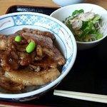 """あかずきん - """"極上 豚丼"""""""