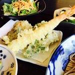 農家食堂 神明そば 慶 - 慶御膳 天ぷらは舞茸・海老・春菊・たけのこ・磯辺揚げ・さつまいも 抹茶塩で