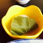 農家食堂 神明そば 慶 - 慶御膳  かしわ餅