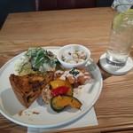 ポルトカフェ - キッシュプレート1512円