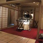 リストランテ ラ・バリック トウキョウ - 和のインテリアと30種類のグラスワイン用ワゴン