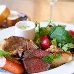 クッチーナ・ディ・トリヨン - 土日祝はランチあり!トリヨンのお肉プレートランチ