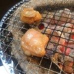 ホルモン肉問屋 小川商店 - 小腸焼1