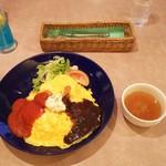 レストラン三宝 - オムライスとスープ