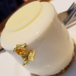 86252643 - 地元鶴岡の食べられるシルクを使用したチョコムース「シルキーホワイトチョコムース」