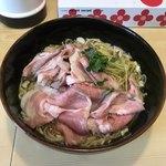 煮干ラーメンとローストビーフ パリ橋 - 料理写真:煮干しらーめん 青 ¥600 チャーシューマシ(マシ) ¥150