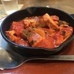 コシード - やわらか豚肉とボロニアソーセージ10種野菜マルサラワイントマトソース