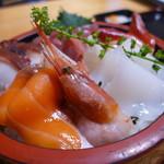 かさや食堂 - 料理写真:海鮮丼(999円)