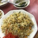 悟空亭 - 炒飯とスープ