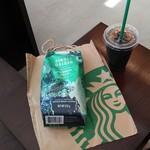 スターバックス・コーヒー - ドリンク写真:今回買った「シングルオリジンシリーズ コロンビアウィラ」とドリップコーヒー・アイス・ショート