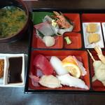 86256921 - 松花堂御膳(1,380円)+味噌汁をあおさに(+100円)