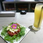 石垣牛と島料理 佐々木勝 - 島トマトと島モッツァレラのカプレーゼ