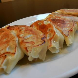 味楽 - 料理写真:タレから生地まで手作り餃子