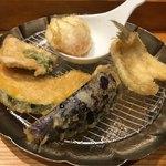Tempurameshikanekohannosuke - 「天ぷらめし」980円のカボチャ、ナス、カシワ、キス