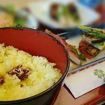 明治座 - バターライスと胡麻醤油の薬味のせ