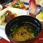 明治座 - 黄味素麺の清汁仕立て