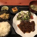 むちゃく - 牛さがり焼定食=950円