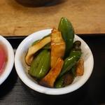 茉莉花 - 万願寺唐辛子と茸の漢煮