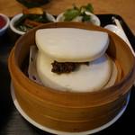茉莉花 - 特製肉味噌を挟んだ中華蒸しパン
