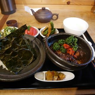 茉莉花 - 料理写真:三元豚と焦し玄米の蜂蜜煮& 炊きたてご飯 の薬膳