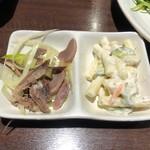 日本橋焼餃子 - セットのおつまみ