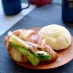 ジャンティーユ - 料理写真:メロンパン&クロワッサンサンド