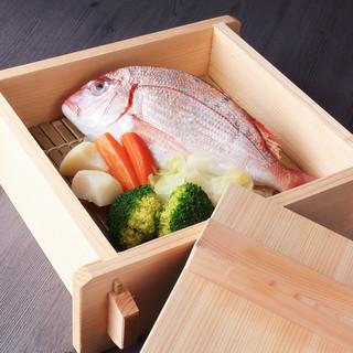 鳴門港直送の鮮魚や旬素材を活かした「和食」をお楽しみください
