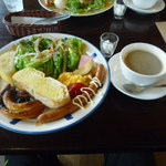 86276624 - Aセット(日替わりパン2種)、700円