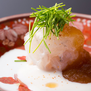 日本料理の可能性を最大限に引き出した独創的で美しい和食