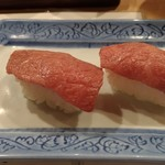 横丁 君家 - 松坂牛の握り(1巻500円)