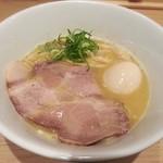 笑顔ノキラメキ - 料理写真:【鶏白湯らーめん 並 + 煮たまご】¥750 + ¥100