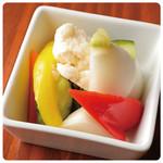 うずら卵と野菜のピクルス