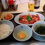 食道園 - 半冷麺付カルビランチ(1650円)