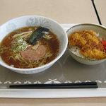 カインズキッチン - Bセット(しょうゆラーメン+ミニソースチキンかつ丼)です。