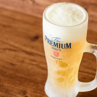 キンキンに冷えたビールで乾杯◎喉ごし爽快なハイボールも人気☆