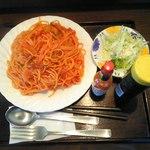 自由軒 - 料理写真:ナポリタン大盛り860円