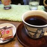 ル・プリーベ - 偶然にもお茶菓子にしるこサンドが出てきました
