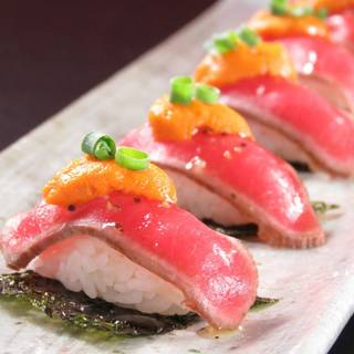 原価無視!十勝ハーブ牛×うにの「うにく寿司」