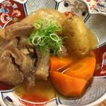ここら屋 - 肉じゃが 野菜ごろごろ、ほくほく、旨味がすごい。